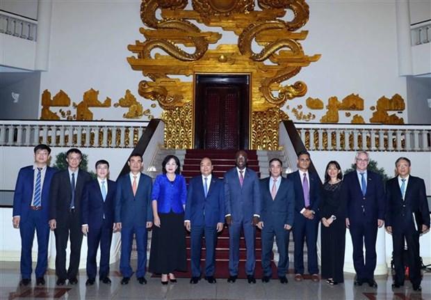 越南政府总理阮春福会见世界银行驻越南首席代表迪奥 hinh anh 2