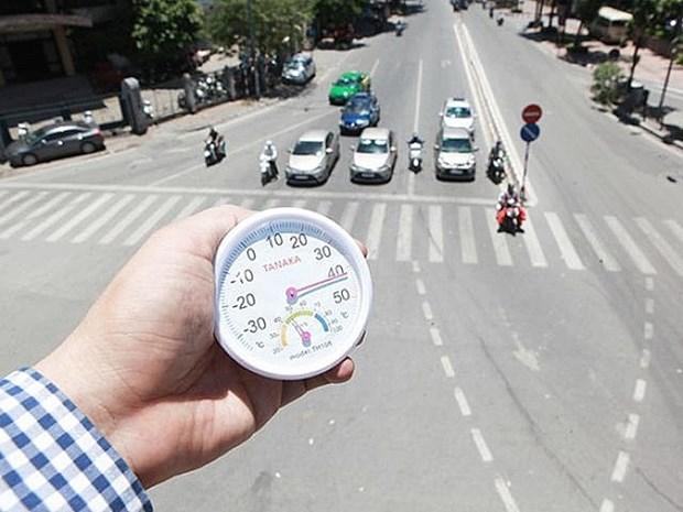 首都河内高温晴晒天气炎热 最高温度高达40摄氏度 hinh anh 1