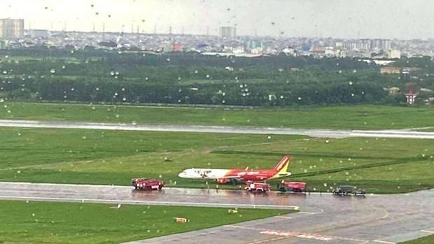 从7月1日起新山一国际机场一跑道暂时关闭维修 hinh anh 1
