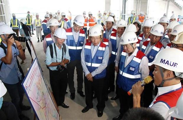 越南政府副总理范平明考察滨城--仙泉地铁线施工项目 hinh anh 1