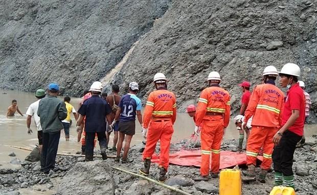 缅甸翡翠矿区山体滑坡死亡人数升至113人 hinh anh 1