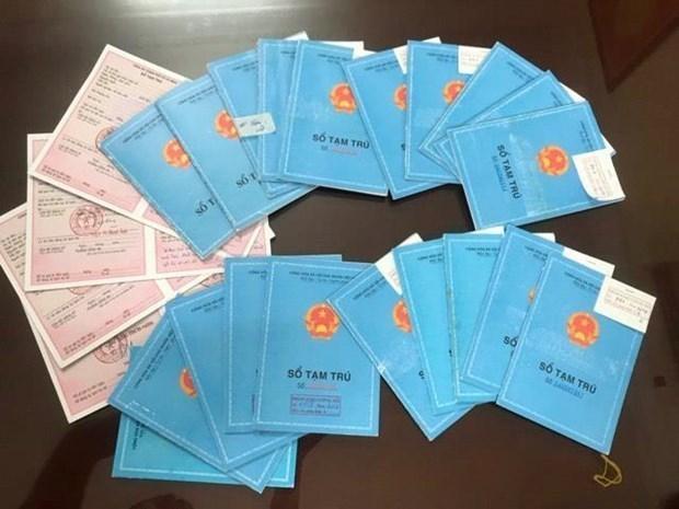 5名被告涉嫌伪造临时居住证以办理韩国签证被捕 hinh anh 1