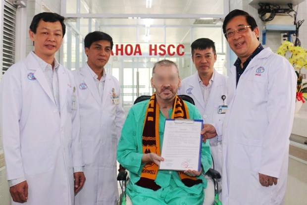 外国媒体:第91例患者治愈出院——越南成功抗击疫情的象征 hinh anh 2