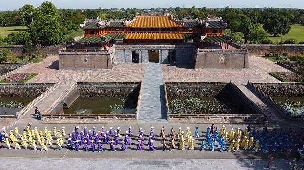 """承天顺化力争成为越南中部""""奥黛之城"""" hinh anh 2"""