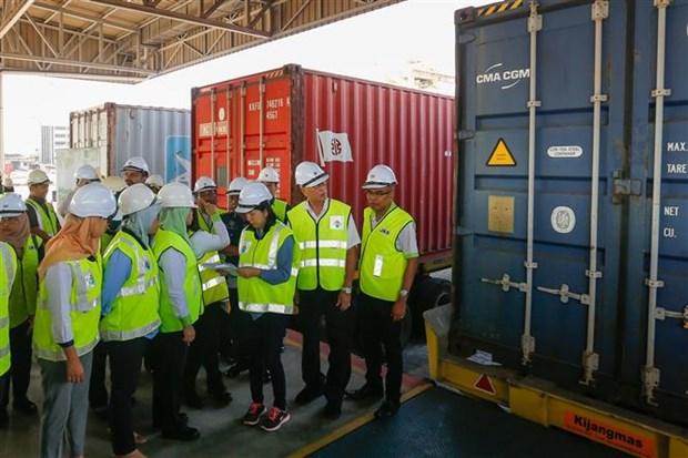 马来西亚查获110个有毒废弃物货柜 史上最大宗 hinh anh 2