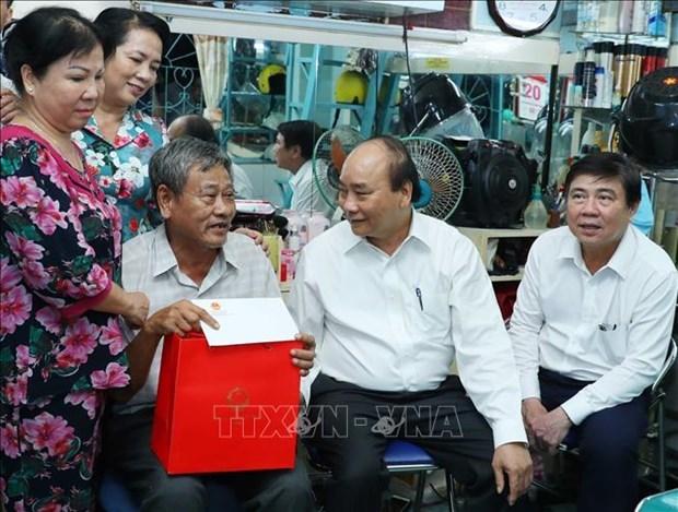 阮春福:胡志明市应注重加快公共投资到位进度 成功实施2020年经济社会发展计划 hinh anh 2
