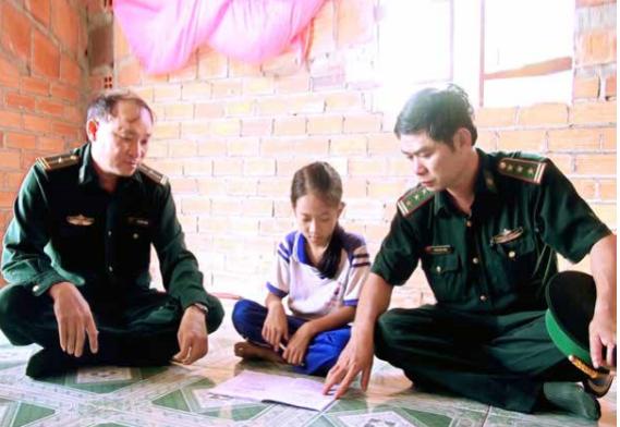 提高西宁省边境地区少数民族同胞的生活水平 hinh anh 2