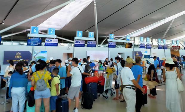 各家航空公司为往返岘港的乘客提供支持 hinh anh 2