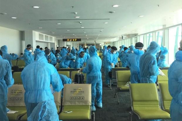 越南将近180名公民从文莱接回国 hinh anh 1