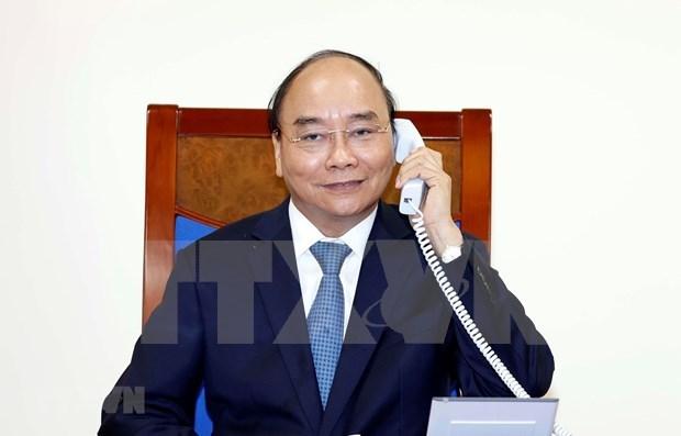 越南政府总理与欧盟委员会主席通电话 hinh anh 1