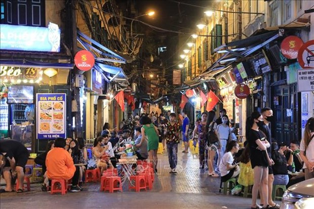 越南试行将夜间延时服务时间至第二天早晨6时 hinh anh 1