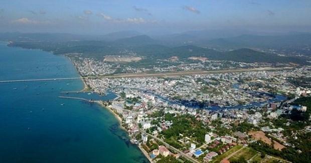 富国岛县实现全面发展 力争升格为省级城市 hinh anh 2