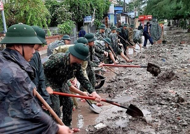 台风森拉克来袭 越南至少2人死亡2人受伤 hinh anh 2