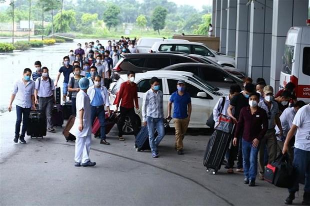 从赤道几内亚回国的219名越南公民中只有22人感染新冠肺炎病毒 hinh anh 2
