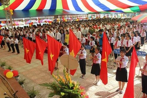 越南教育与培训部代表:若疫情形势仍复杂严峻各所学校可举行在线开学典礼 hinh anh 1