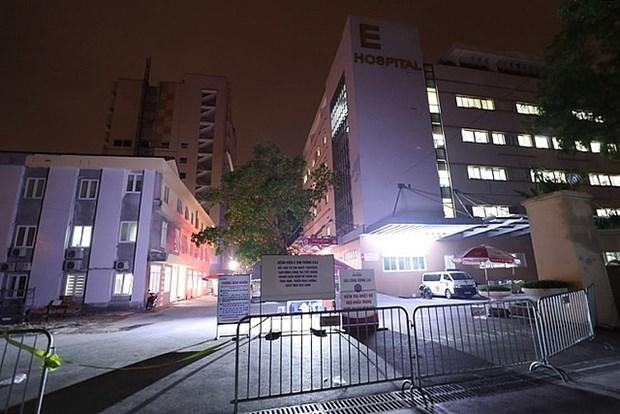 新冠肺炎疫情:E医院抓紧时间全面排查第994例病例的密切接触者 hinh anh 2