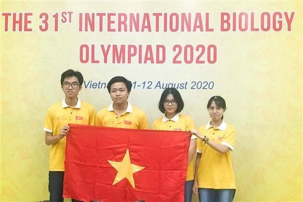参加2020年国际生物学奥林匹克竞赛的越南学生全部获奖 hinh anh 1