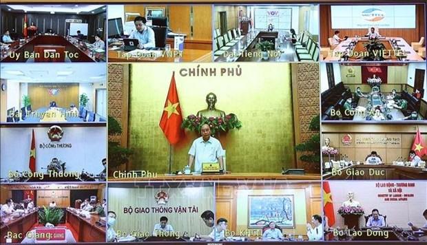 政府总理阮春福:加快对外国专家和投资者签证签发工作 hinh anh 1