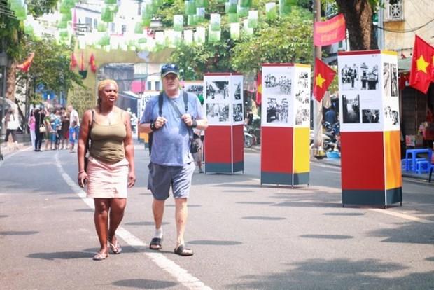 2020年8月越南接待国际游客量达16.3万人次 环比增长近17% hinh anh 1