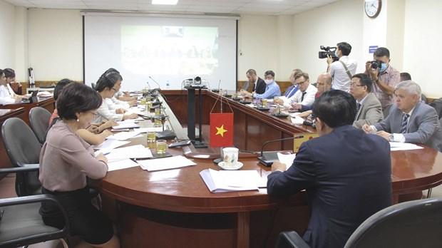 越南和俄罗斯各部门讨论新冠肺炎疫情背景下的优先投资项目开展事宜 hinh anh 1
