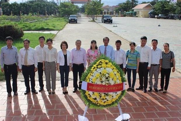 柬埔寨多个省市和军区代表团热烈祝贺越南国庆75周年 hinh anh 1