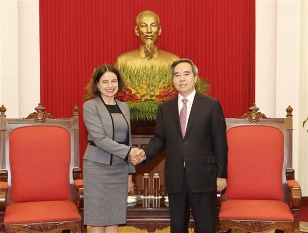 越共中央经济部长阮文平会见来越履新的澳大利亚驻越大使 hinh anh 1