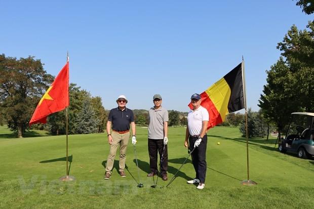 """""""2020年越南大使杯"""" 高尔夫球友谊赛在比利时举行 hinh anh 1"""