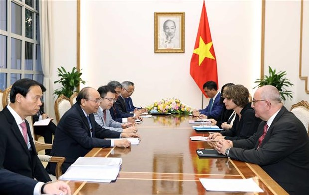 越南政府总理阮春福会见荷兰、比利时和欧洲投资者 hinh anh 2