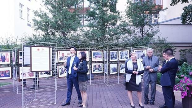 越南风土人情图片展在罗马尼亚举行 hinh anh 2