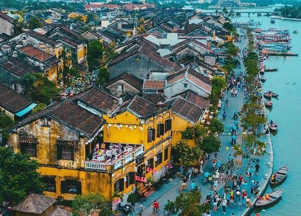 """越南旅游:会安市努力发挥旅游业的""""火车头""""引领作用 hinh anh 1"""