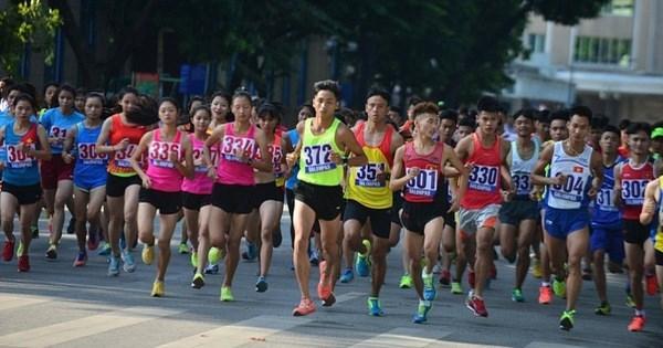 2020东盟轮值主席年:2020年旺盛银行河内马拉松比赛吸引近7000人报名参加 hinh anh 1