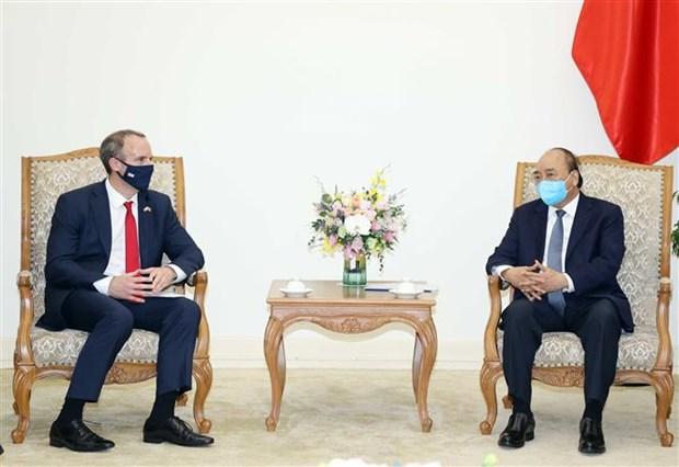政府总理阮春福会见英国外交发展部大臣拉布 hinh anh 2