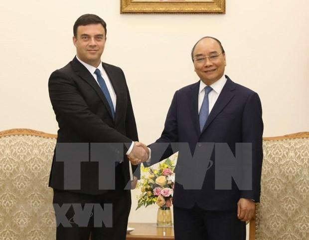 越南政府总理阮春福会见以色列驻越大使纳达夫 hinh anh 1