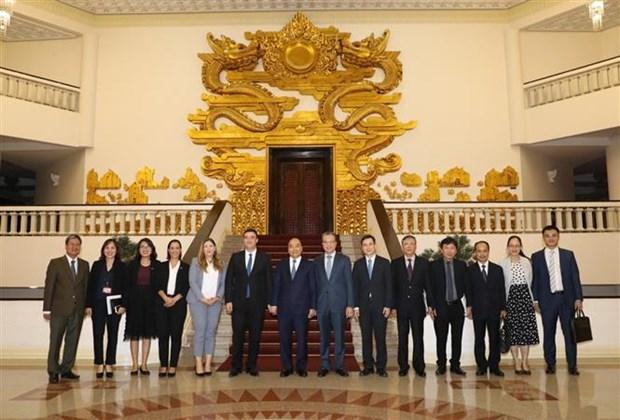 越南政府总理阮春福会见以色列驻越大使纳达夫 hinh anh 2