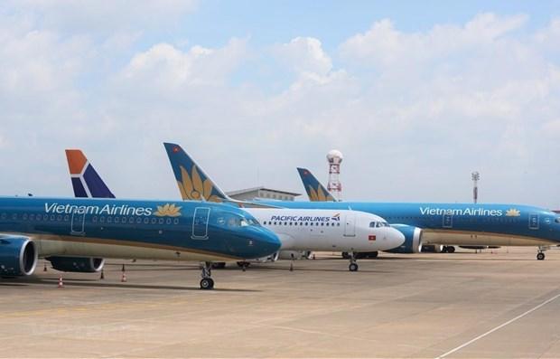 越南各家航空公司因遭受台风影响而调整航班执行计划 hinh anh 1