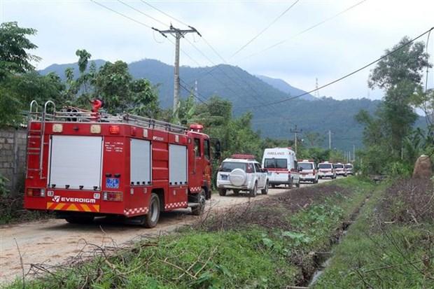 捞庄三号水电站山体滑坡事故:军队动员更多力量参加抢险救援工作 hinh anh 2