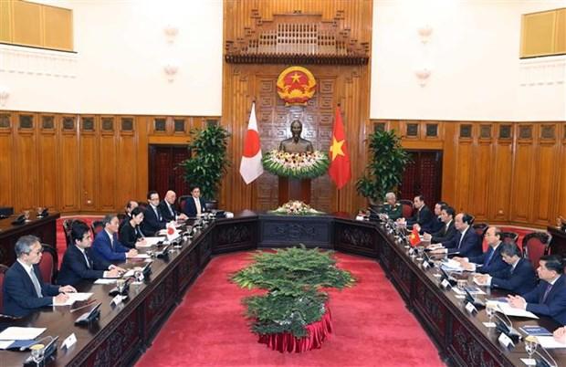 越南政府总理阮春福与日本首相菅义伟举行会谈 hinh anh 2