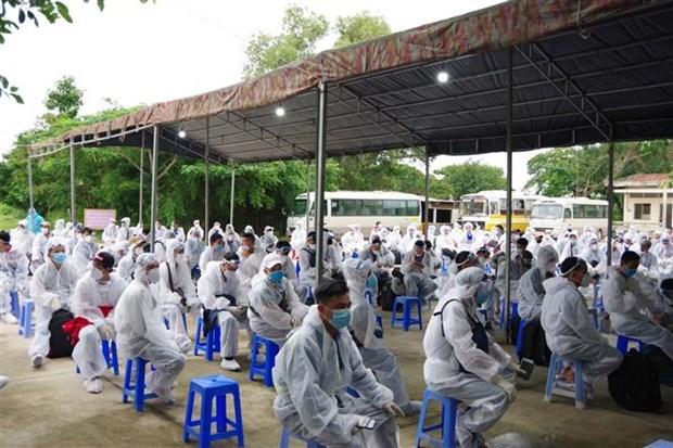 新冠肺炎疫情:越南连续49天无新增本地确诊病例 接受隔离人员13900人 hinh anh 1