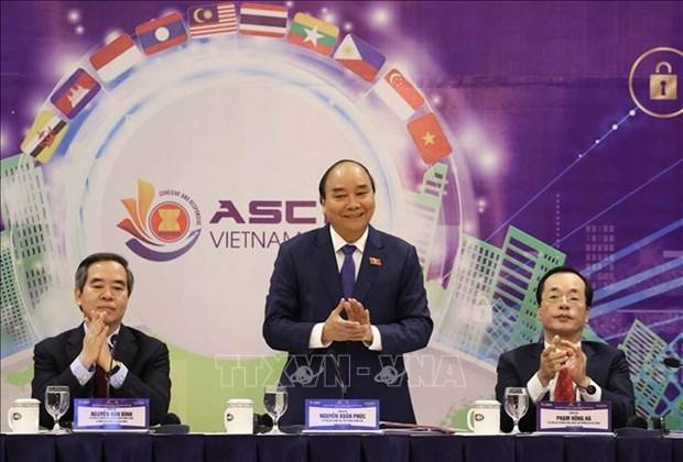 政府总理阮春福:发展智慧城市 走向人的全面发展 hinh anh 2