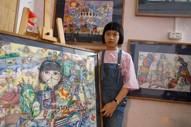 10岁女孩绘制有关新冠肺炎疫情的绘画作品 hinh anh 1