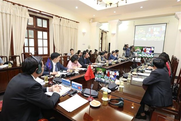 ASEAN 2020: 发展适应第四次工业革命的劳动力资源 hinh anh 2