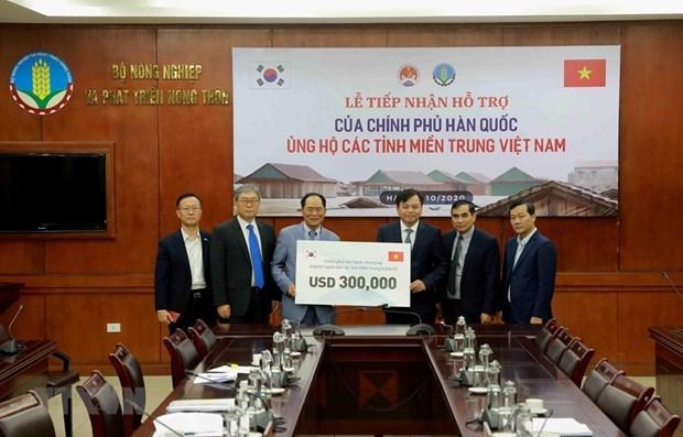 韩国援助越南30万美元 用于开展中部灾后恢复重建工作 hinh anh 1