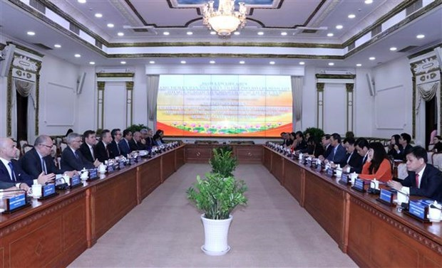 胡志明市与欧盟加强合作关系 hinh anh 1