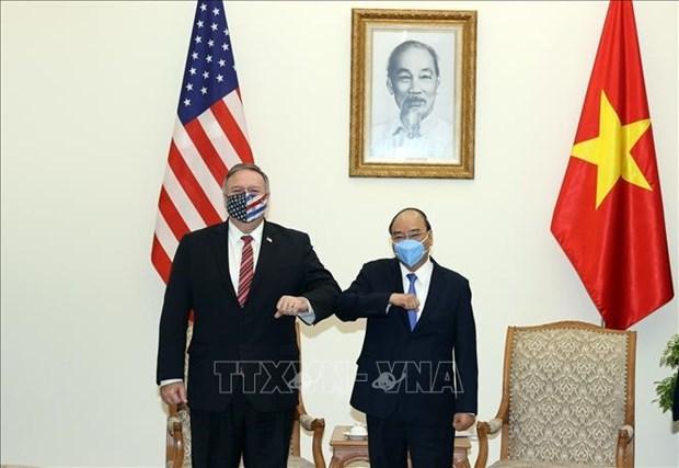 越南政府总理阮春福会见美国国务卿蓬佩奥 hinh anh 1