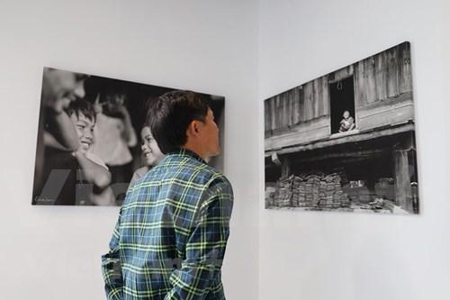 """""""我们失去的生活""""摄影图片展在澳大利亚举行 为越南中部地区灾民筹集善款 hinh anh 1"""