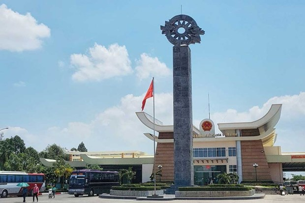 柬越陆地边界勘界立碑工作议定书获柬埔寨国会通过 hinh anh 1