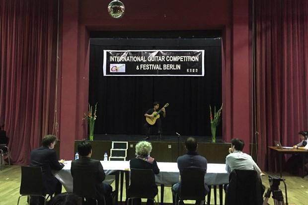越南音乐家作品被选为2020年柏林国际吉他比赛的必弹曲目 越南选手斩获最佳演奏奖 hinh anh 1