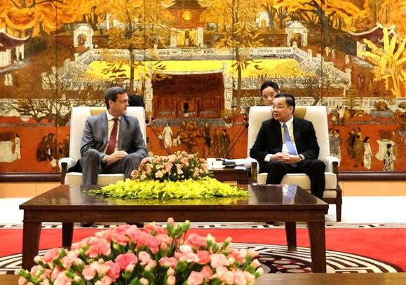 河内市促进与亚洲开发银行的合作 hinh anh 1