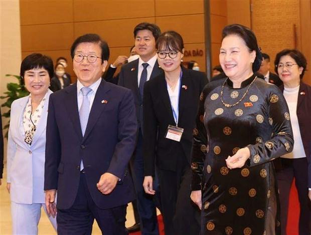 韩国国会议长圆满结束对越南进行的正式访问 hinh anh 1