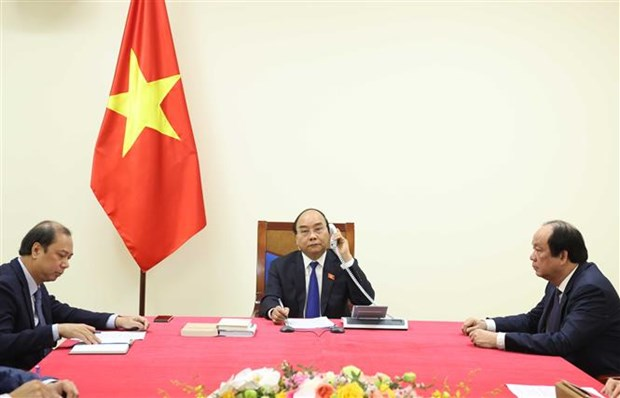 ASEAN 2020: 政府总理阮春福与泰国总理巴育举行电话会谈 hinh anh 2